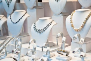 omnichannel jewelry retail